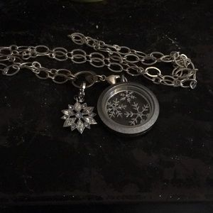 Origami owl hostess exclusive necklace